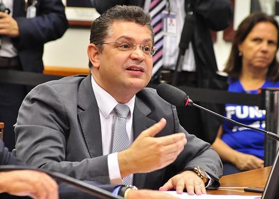 sostenes-cavalcante-17-11-2015