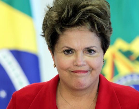 presidente-dilma-rousseff-e-vista-durante-cerimonia-em-brasilia-03102012-reutersueslei-marcelino-1350515130211_1920x1080-1